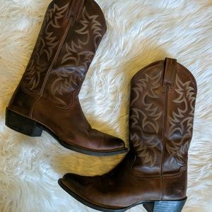 Ariat heritage R toe brown leather cowboy boots